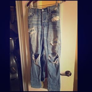 Vintage high-rise AE distressed jeans size 6